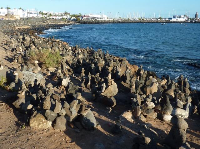Lanzarote2016_Stone_piles