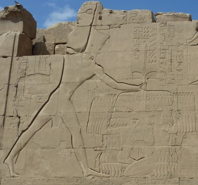karnak_defeated_enemies_thutmose3